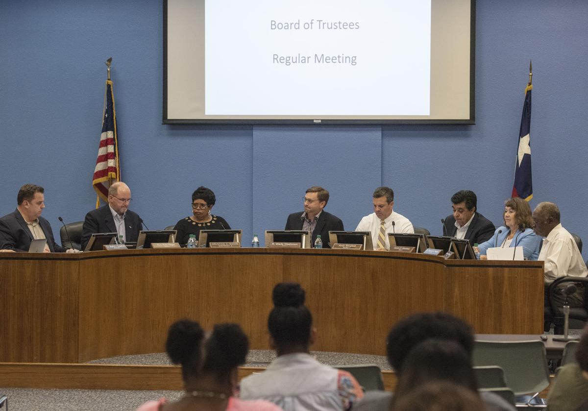 20190617_TISD_Board_Meeting_01web.jpg