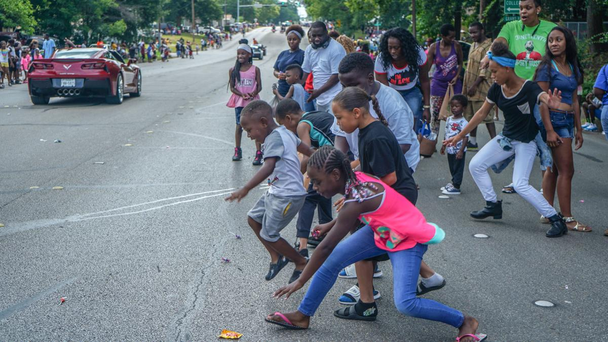 20190616_local_Juneteenth_Parade_web_7
