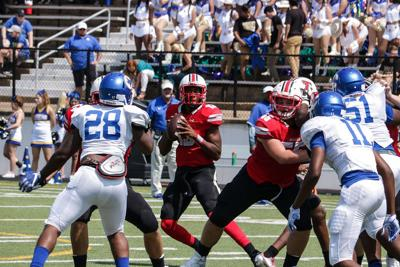 Football Follow-up: Tyler Lee outmuscled in loss at Longview, but not discouraged