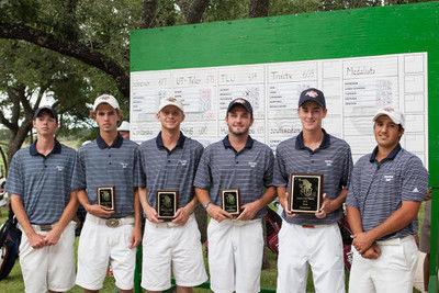 Patriot golfers win tourney