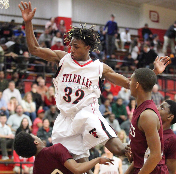 Preview: Lee boys basketball tips off tonight vs. Lufkin