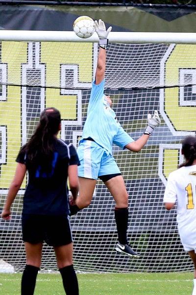 Soccer: Apache Ladies blank Iowa Western