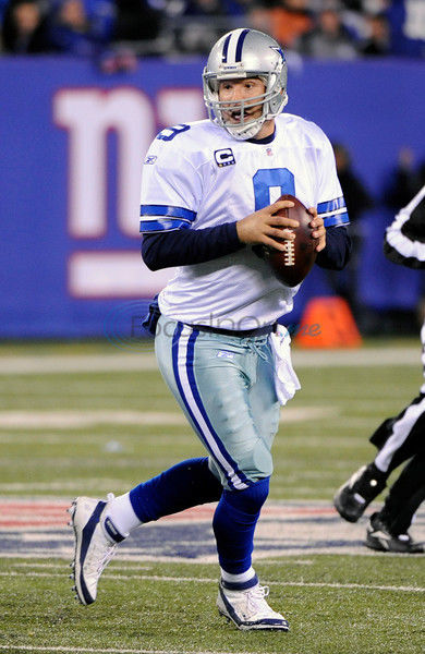 Cowboys open with NFL champion NY Giants