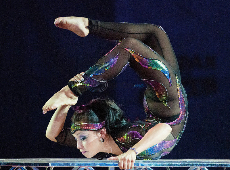 Aerialists, acrobats dazzle crowd at Oil Palace