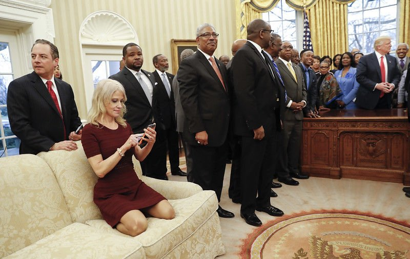 Kellyanne Conway kneels on Oval Office couch, sparks debate