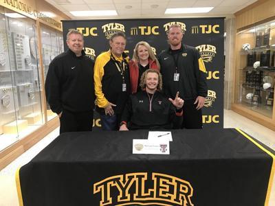Wreck Em! Tyler Junior College QB Carter signs with Texas Tech