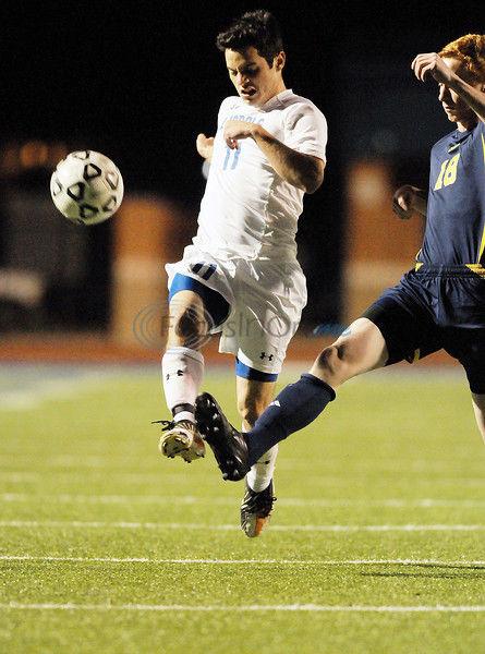 Lindale boys win, Whitehouse girls fall in soccer