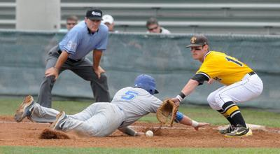 Apaches move into District C title game