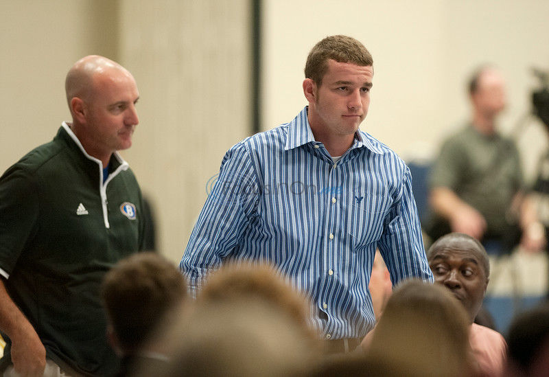 Food, fellowship, football: Ex-Cowboys standout Ellis inspires crowd at luncheon