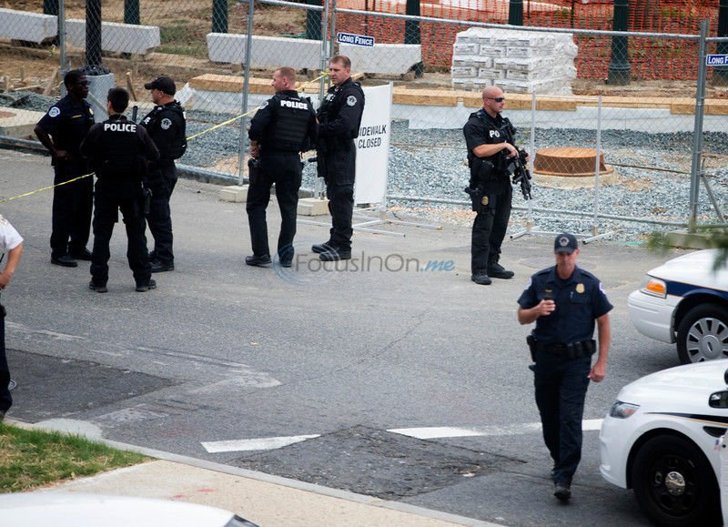 VIDEOS: Police shoot driver outside Capitol after chase; Bloomberg reports driver is dead