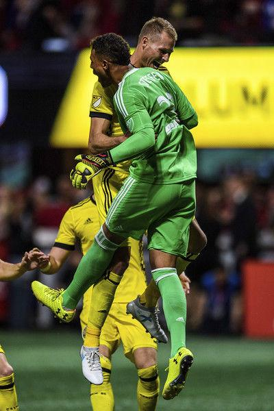 Defending champs Seattle Sounders start playoffs without Clint Dempsey