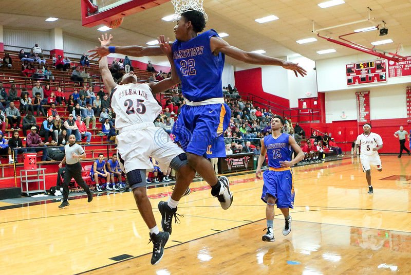 Raiders roughed up in district-opening loss to Lakeview Centennial