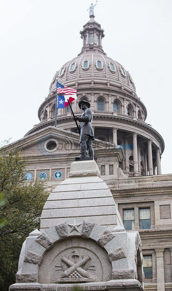In Texas politics: Up, down and in-between