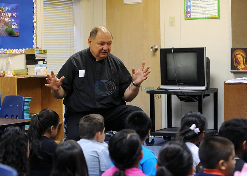 After 9 years of service, Jacksonville priest is going to Longview