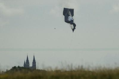 Blimp goes down at US Open; condition of pilot unknown