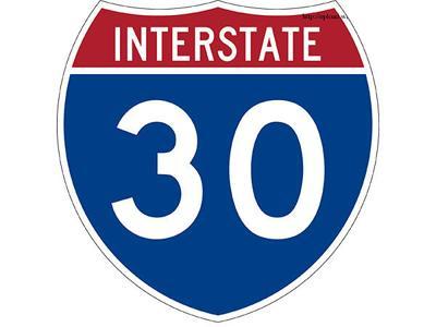Sunday morning Fort Worth wreck kills 5, injures 12 on Interstate 30