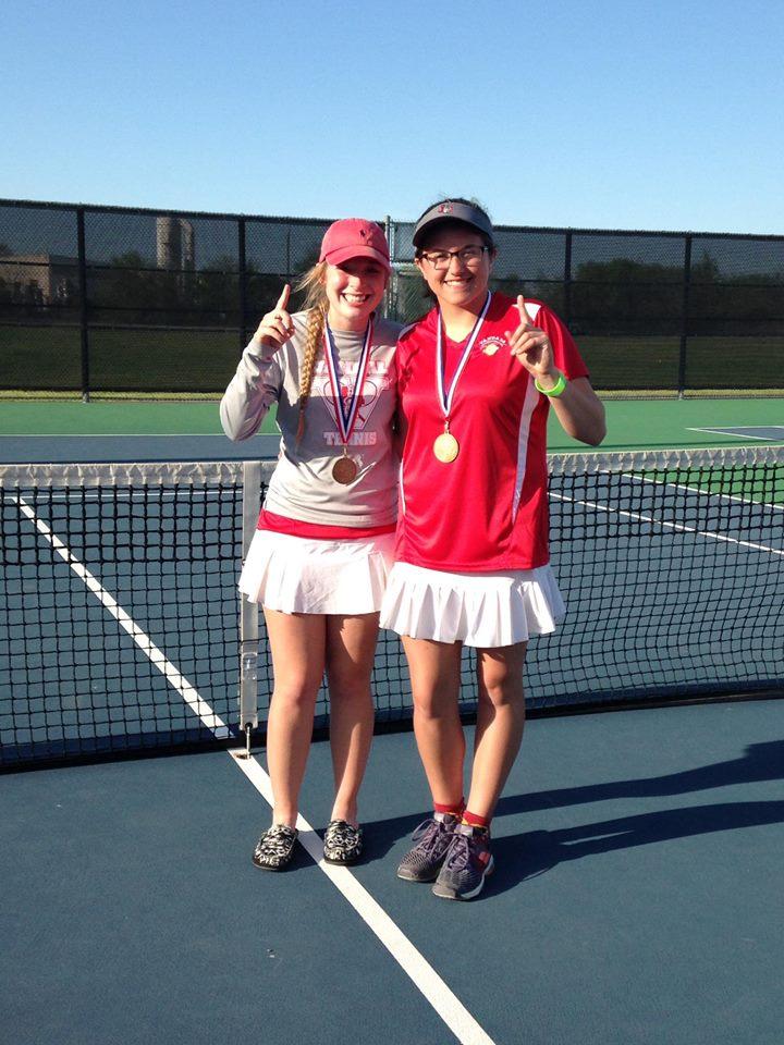 Van doubles team Abby Jones, Faith Kirk