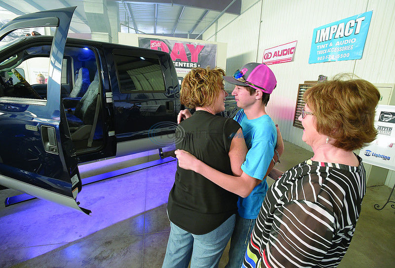 Teen cancer patient rendered speechless when he sees what local business did to his truck