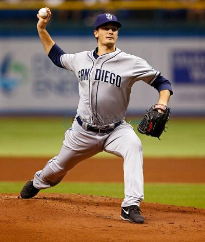 Ex-Lee pitcher Smith makes Padres debut