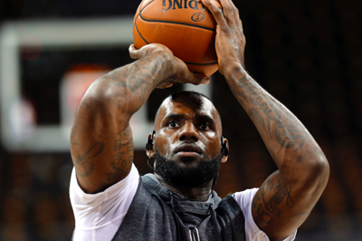 LeBron not faulting Warriors for building super team