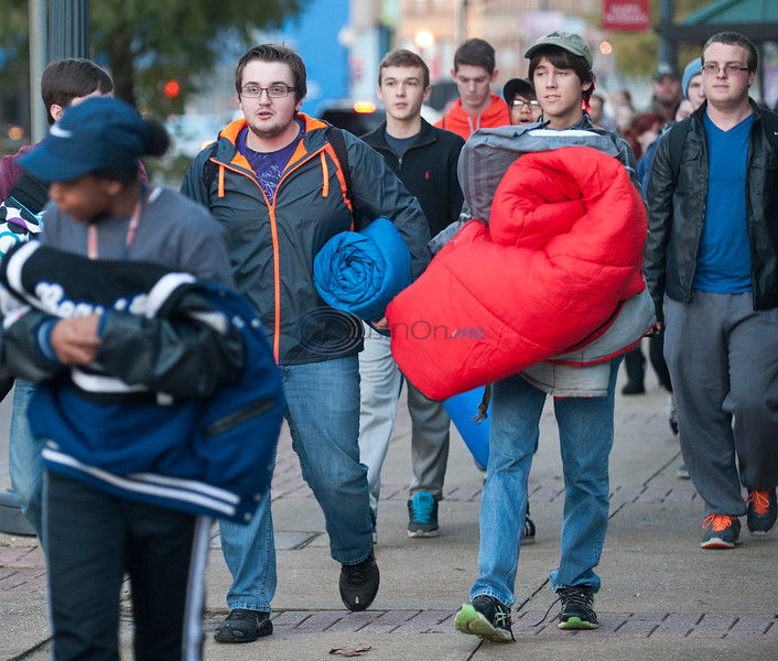200 spend a cold night out to learn about homelessness
