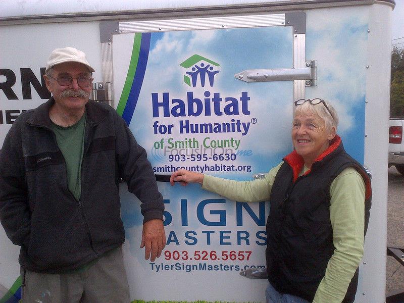 Habitat for Humanity volunteer couple drive to Florida