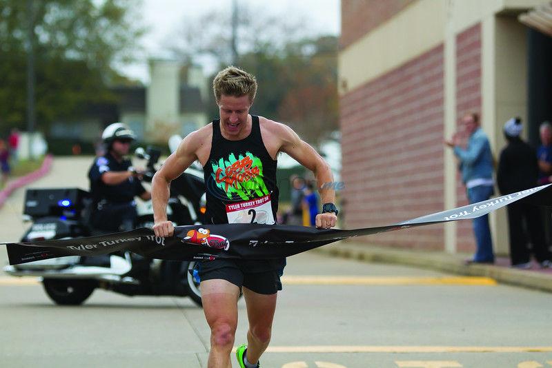 Runners hit the streets for Tyler Turkey Trot 5K