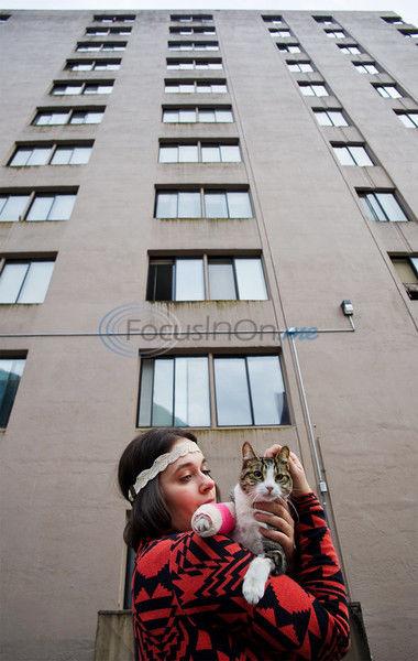 Cat survives 11-story fall at Alaska apartment