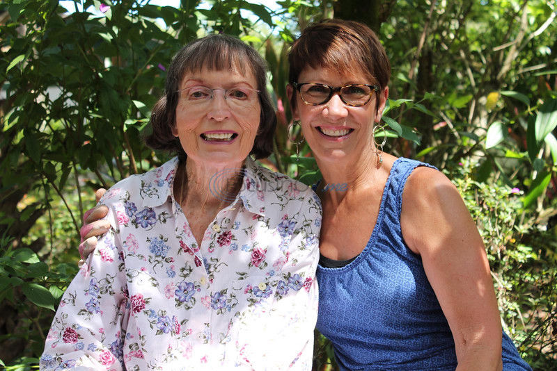 2 women's friendship rooted in shared plant cuttings