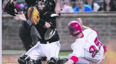 Lee opens district with 8-2 victory