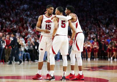 Hogs Fall Apart at the End, Lose Second-Straight Game