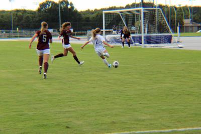 Women's soccer drops third straight, remains optimistic for season