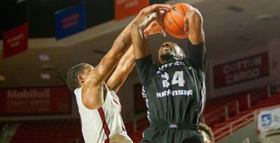 Men's road trip results in hard-fought win, difficult loss