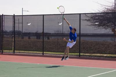 Beacons Men's Tennis Improves to 4-0 in LEC Play