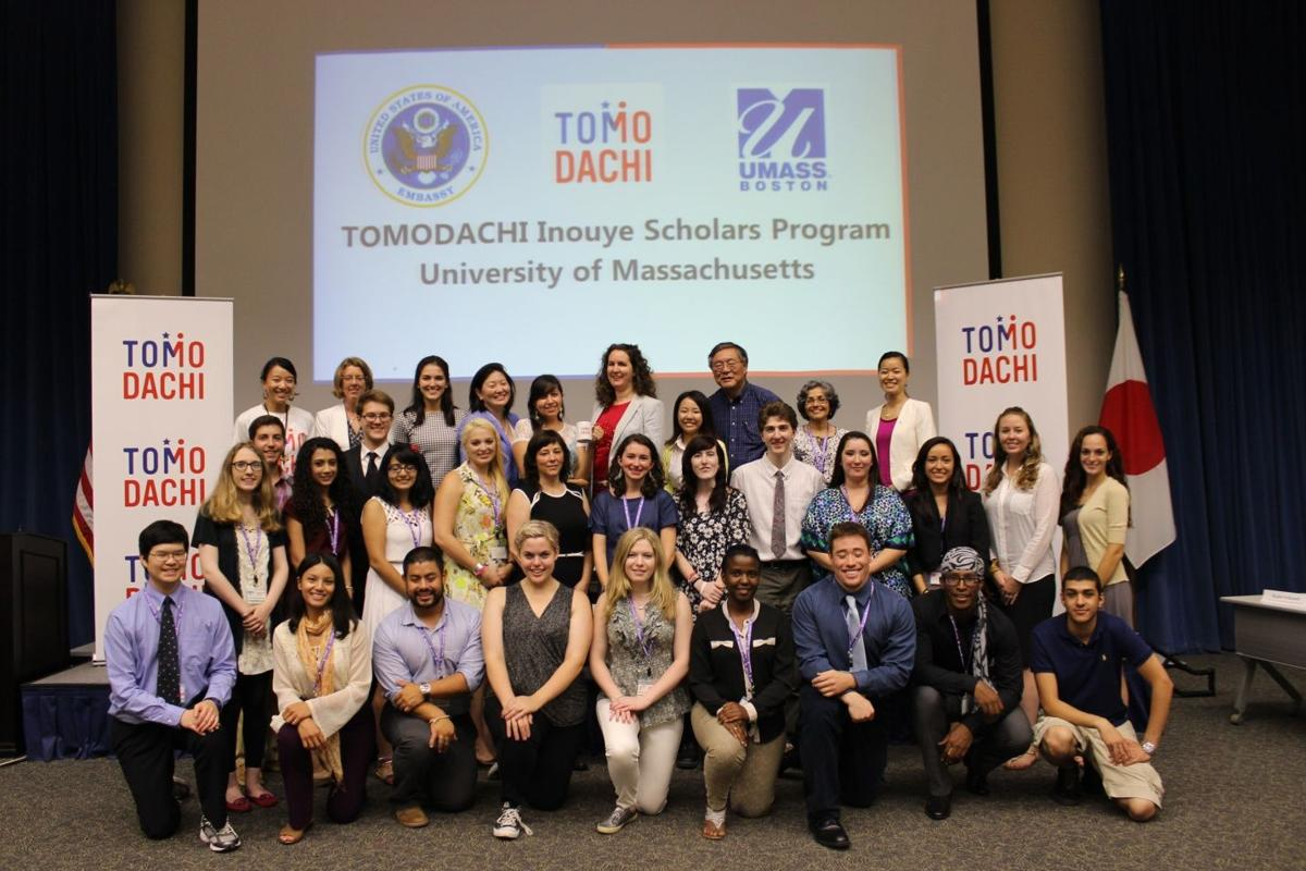Students chosen for the scholars program at the U.S. Embassy in Tokyo