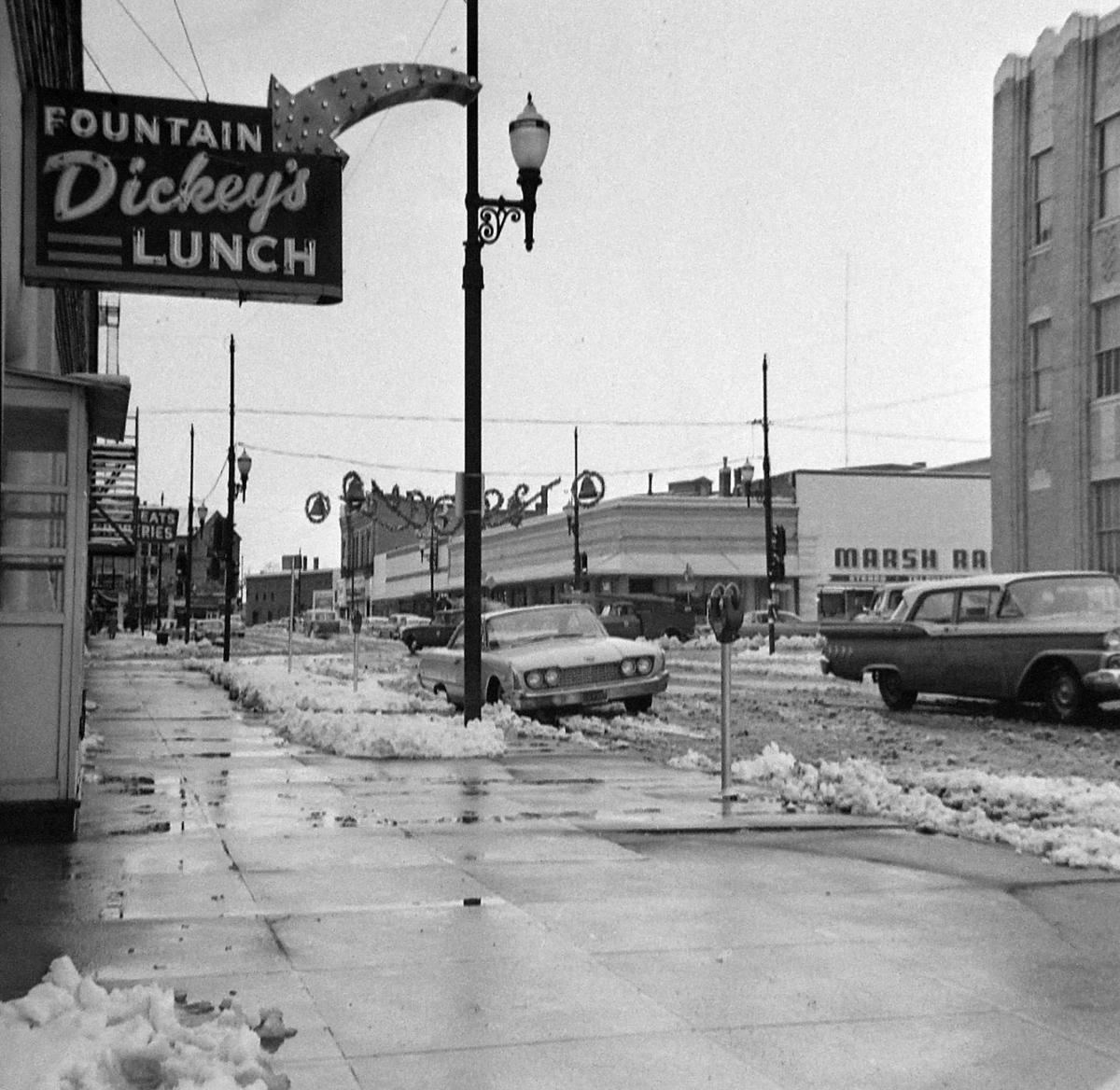 Dickey's Fountain Lunch; snow on 1st Ave, Jan 1962.JPG