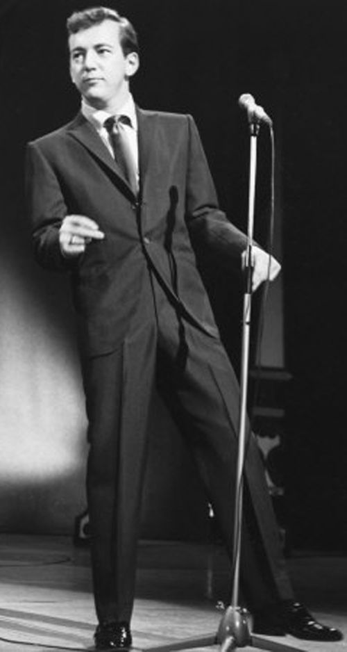 190721 Bobby Darin sings %22Mack the Knife.%22.jpg