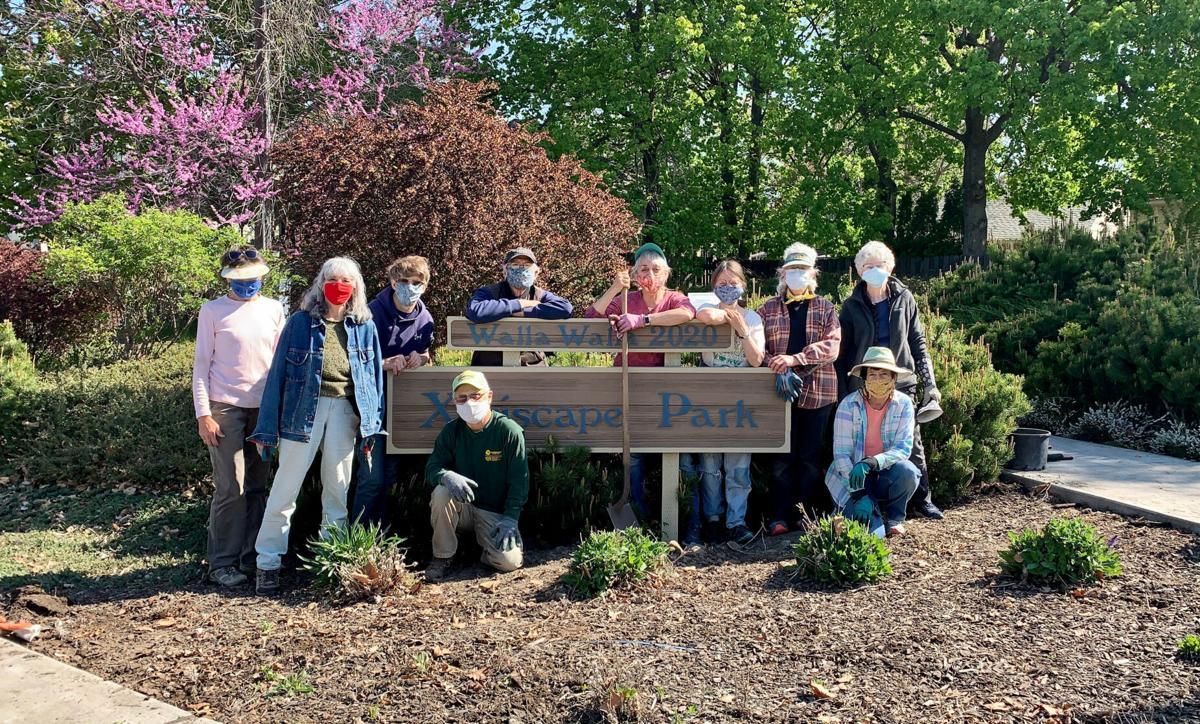 Xeriscape Park volunteers 2021