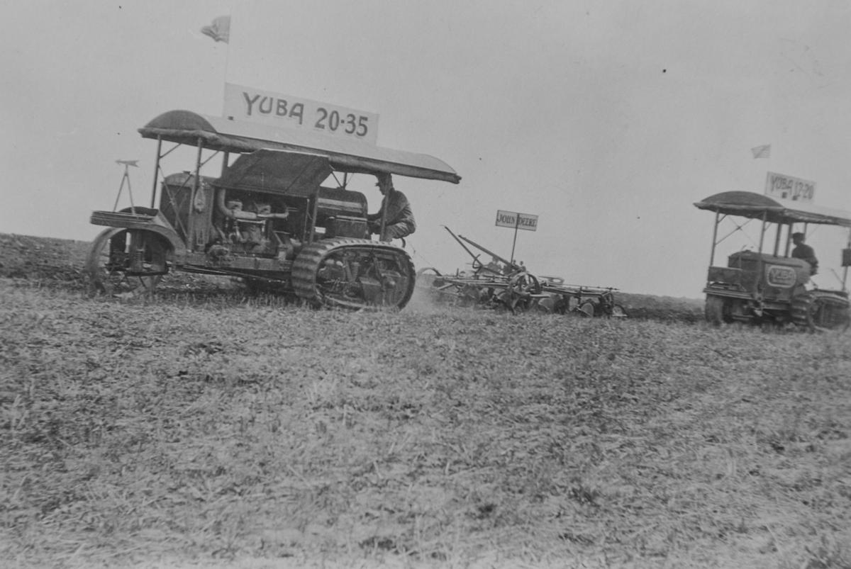 1906 HistoricTractorPostcards.GL_0002.jpg