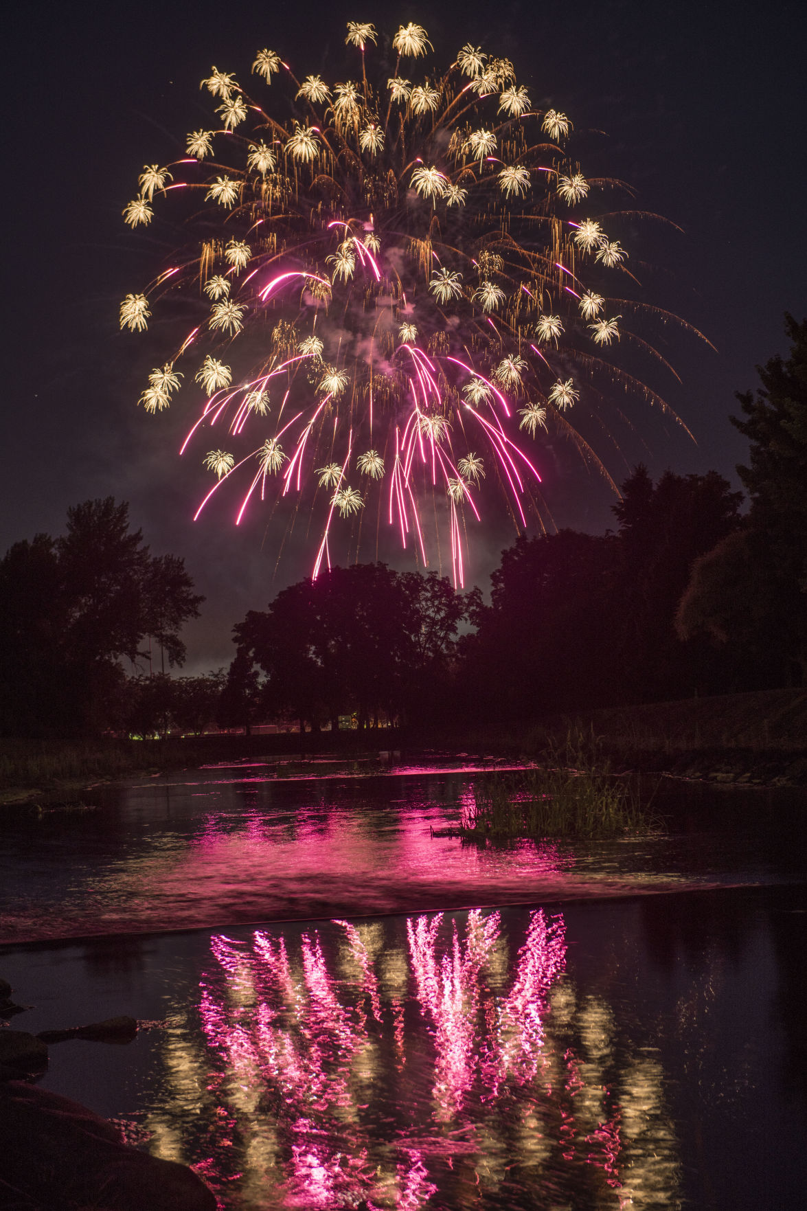 1907 4thOfJuly-Fireworks.GL_0590.jpg