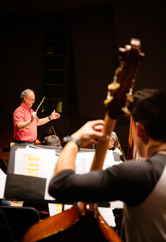 190307 Brandon Beck conducts a rehearsal of the WWU orchestra in December by Gianni Paquini RS110803_CJD-2962-scr.jpg