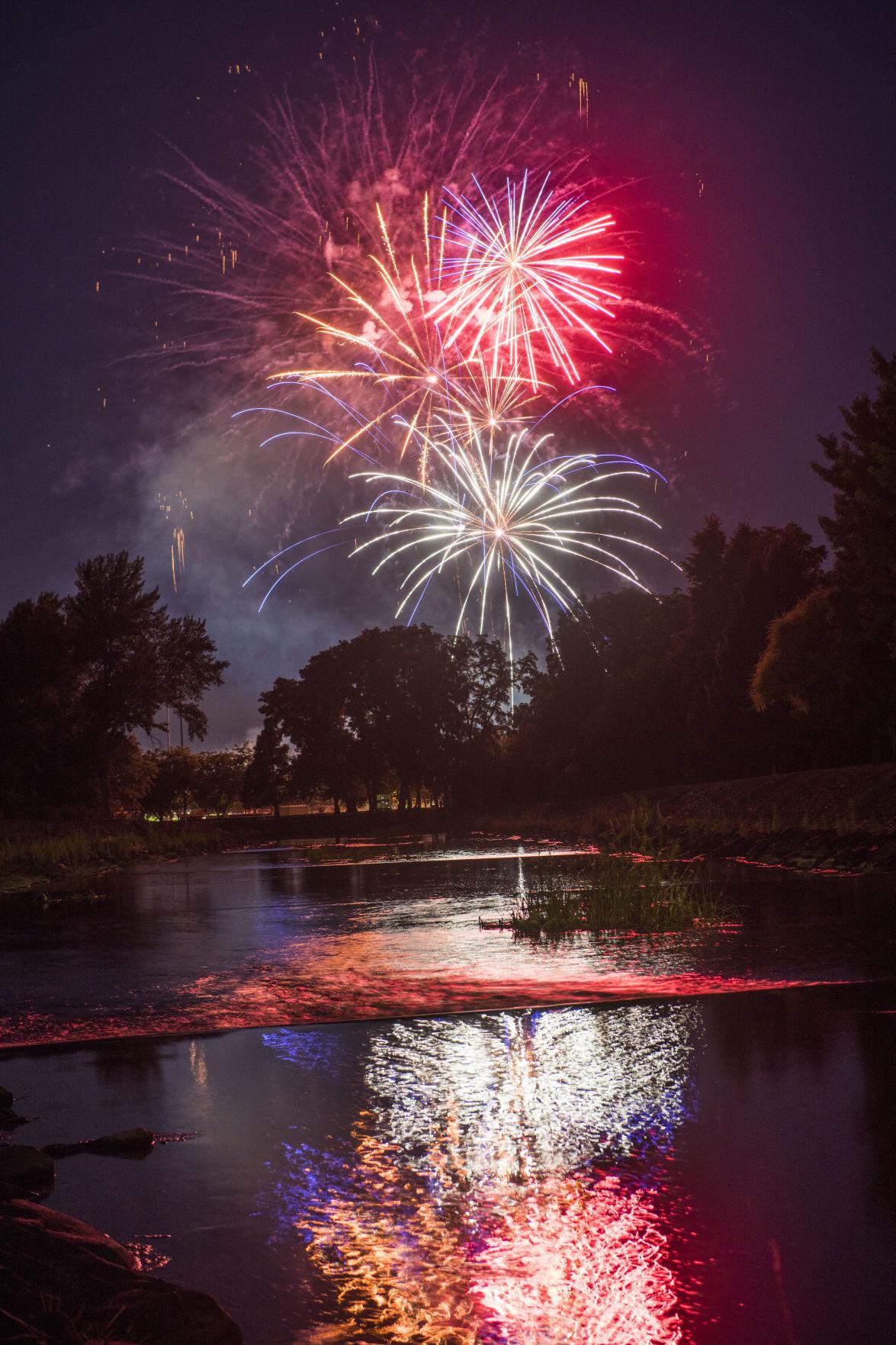 1907 4thOfJuly-Fireworks.GL_0595.jpg