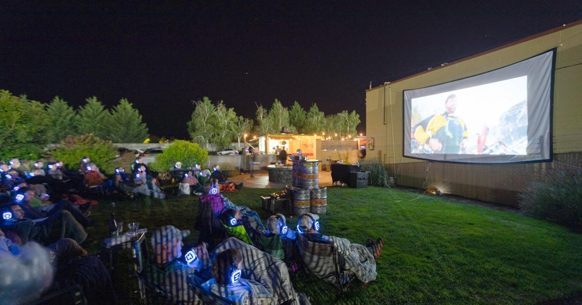 Live outdoors film screenings