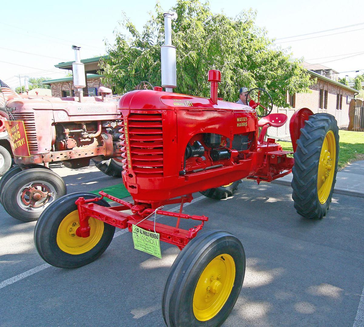 Tractor1x.jpg