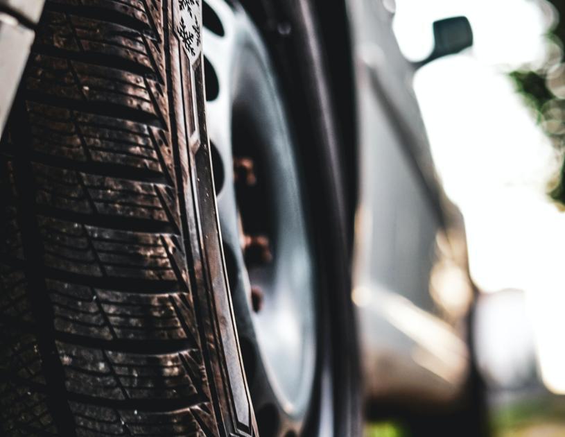 Walla Walla police tries to track down tire slasher