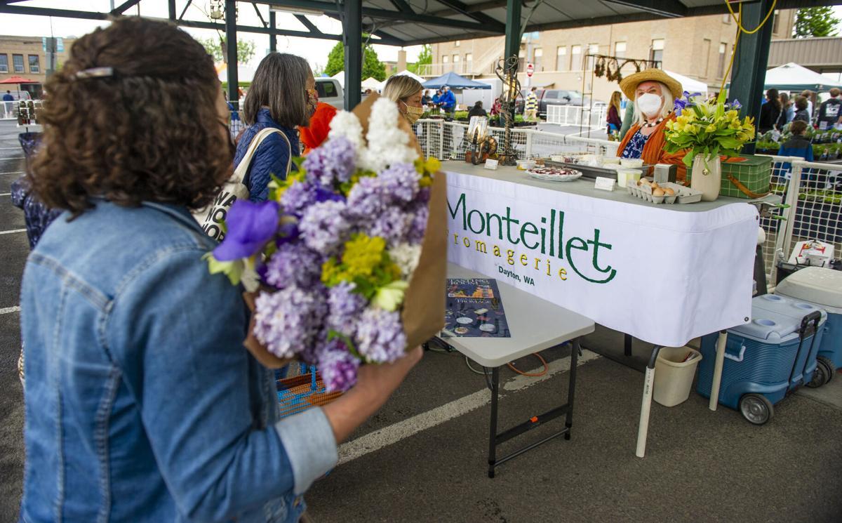 Downtown Farmers Market opens