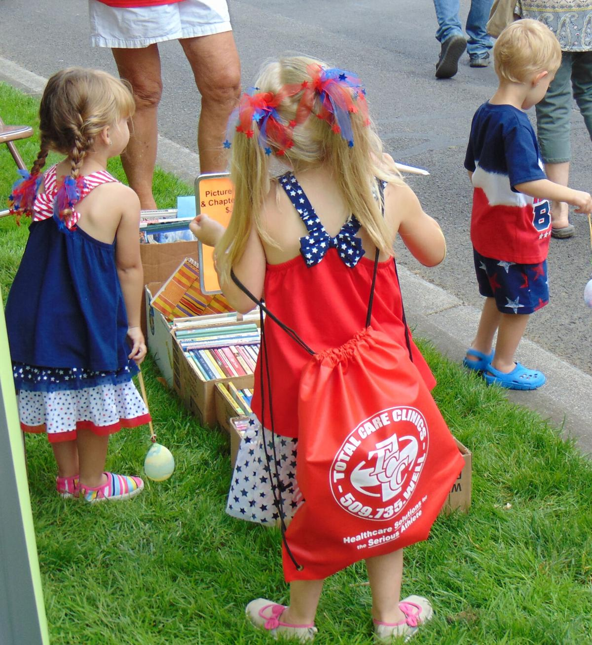 Kids at AAUW book sale