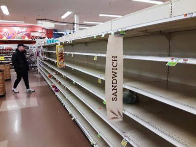 Hannaford bread aisle