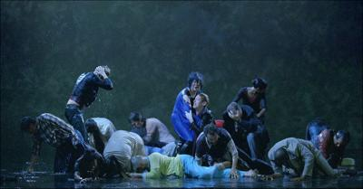 'The Raft' puts viewers in center of crisis