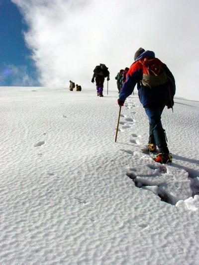 181202-lif-amc-hike1